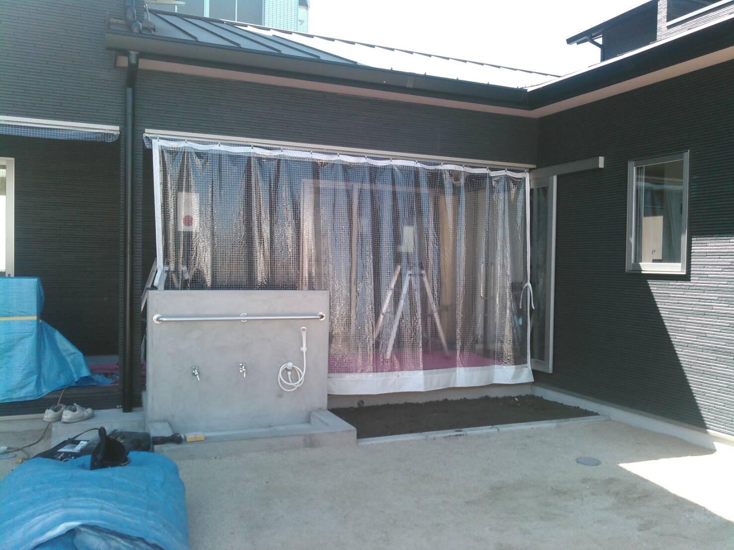 大分 保育園の雨よけカーテンを施工致しました。