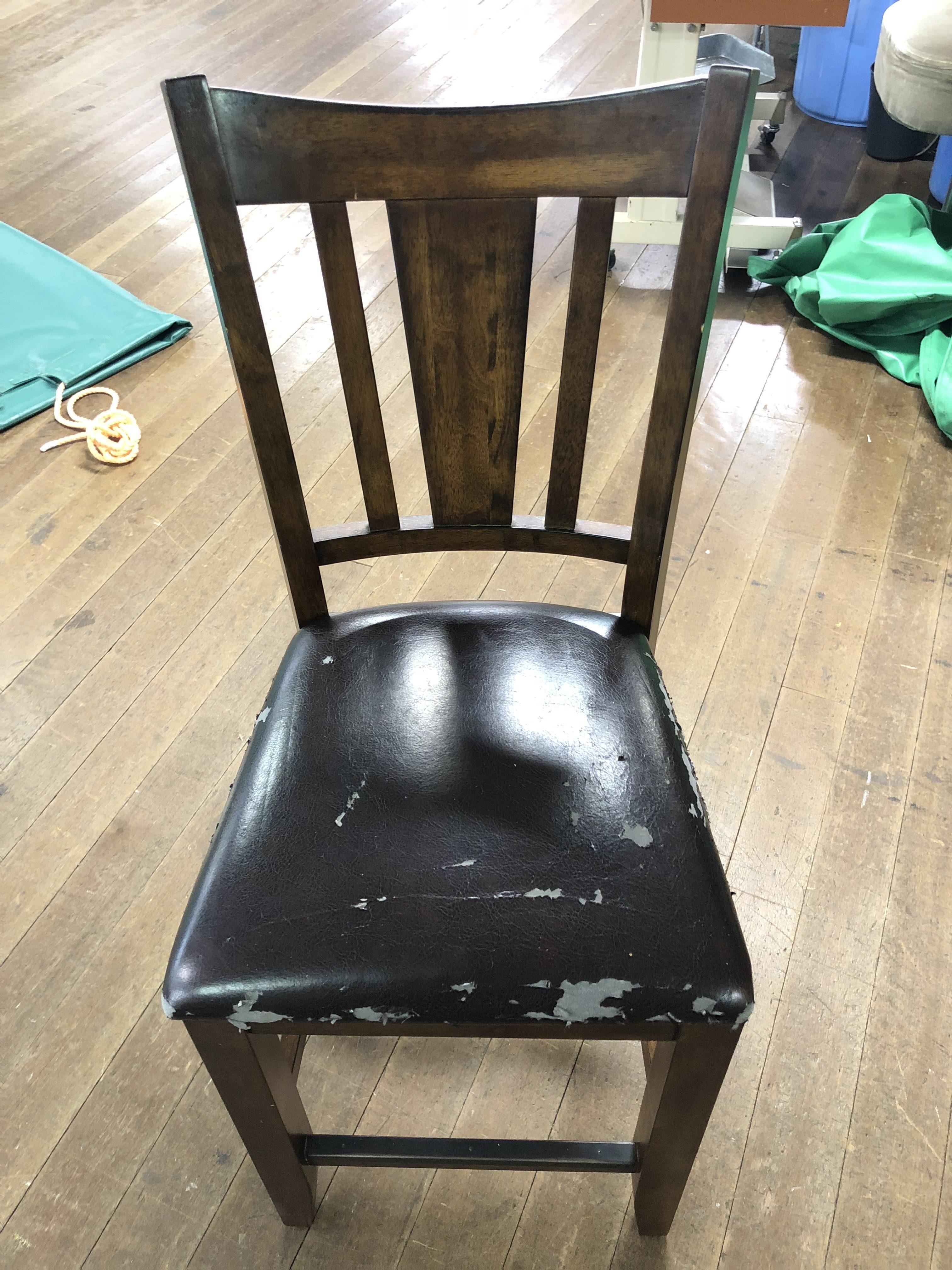 臼杵市 山本鳳凰堂様 椅子のレザー張替えをさせていただきました。