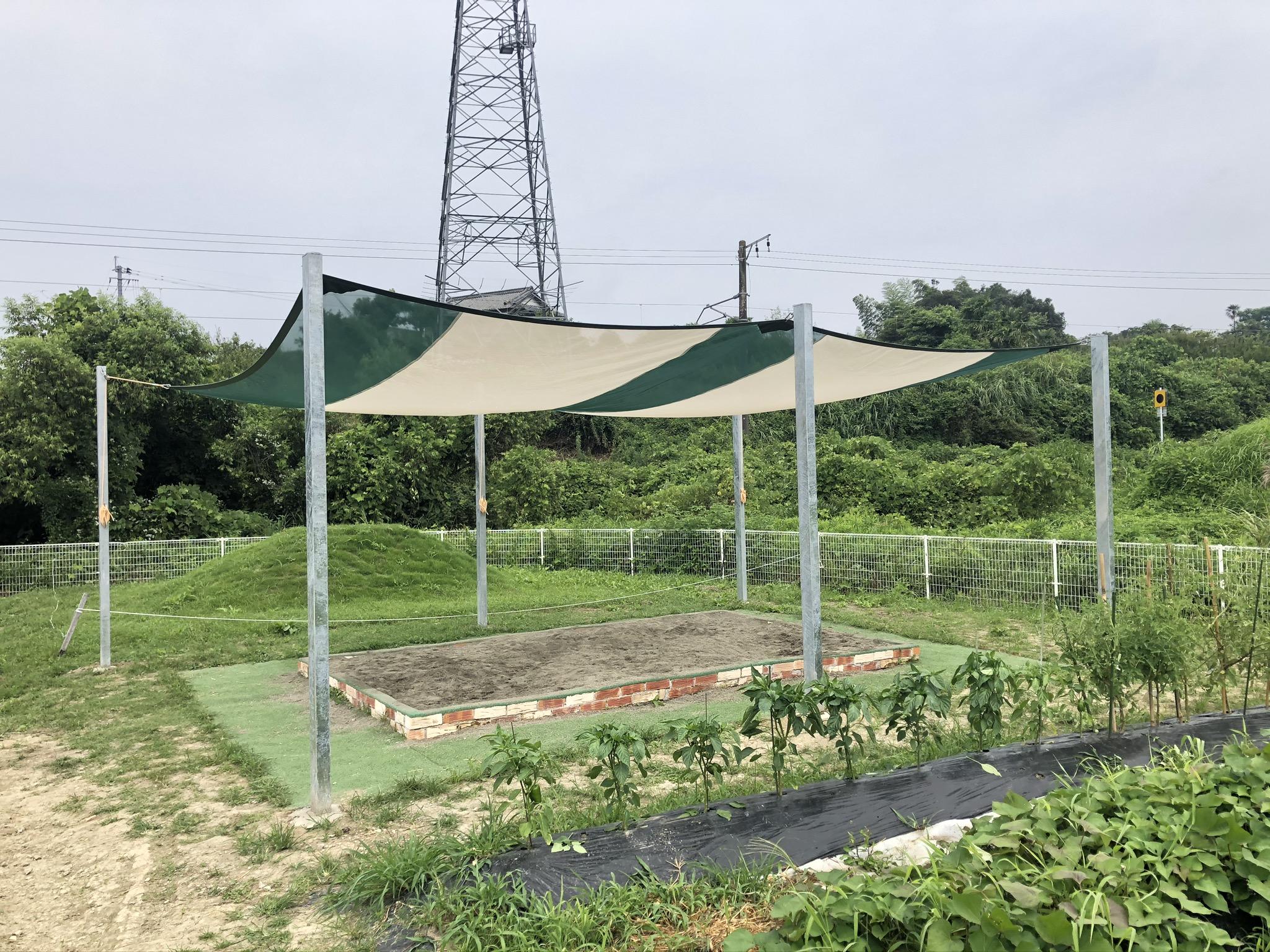 大分県臼杵市 砂場上に日避けを施工させていただきました。