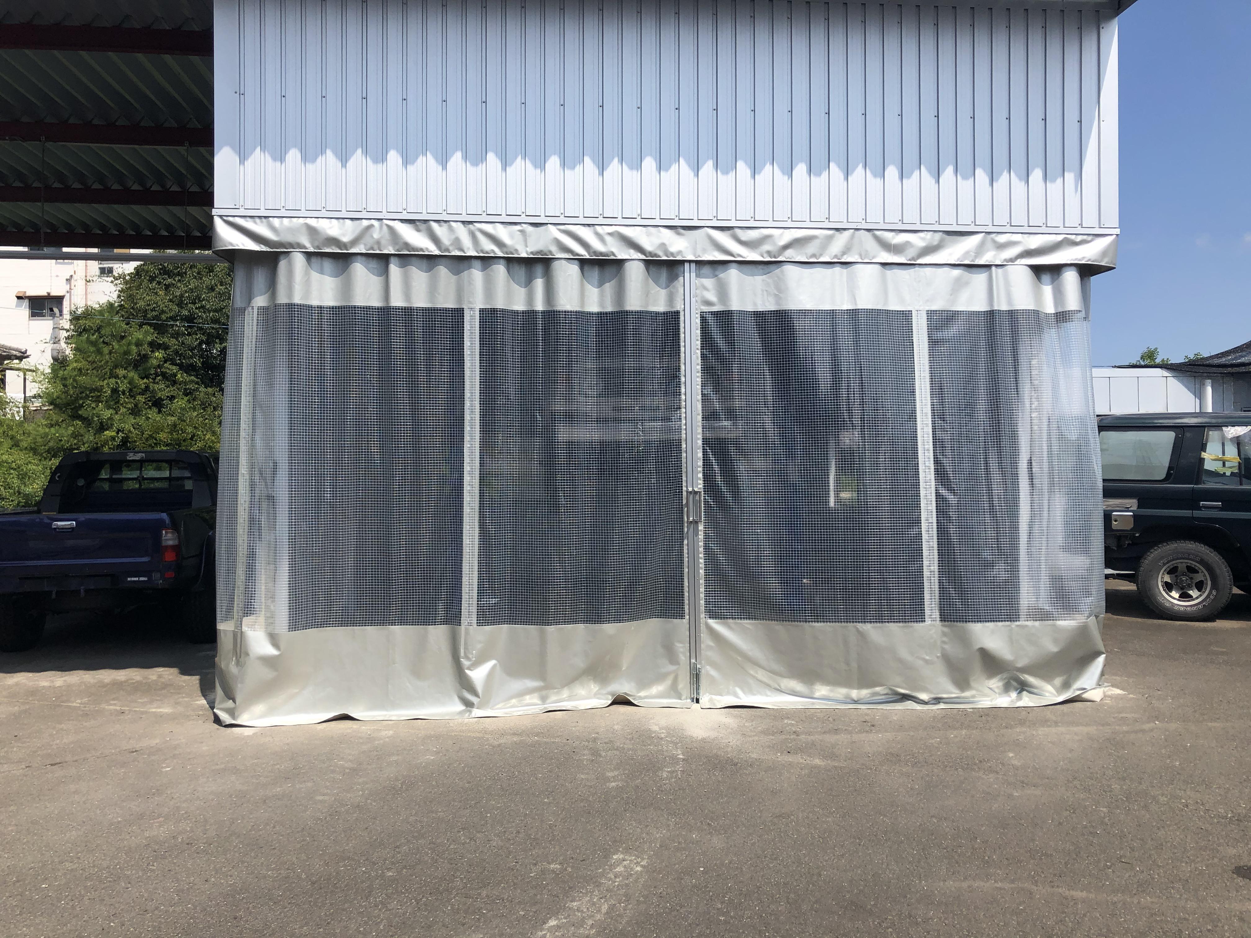大分県大分市 テント地及び糸入りビニールにてカーテンを施工させていただきました。