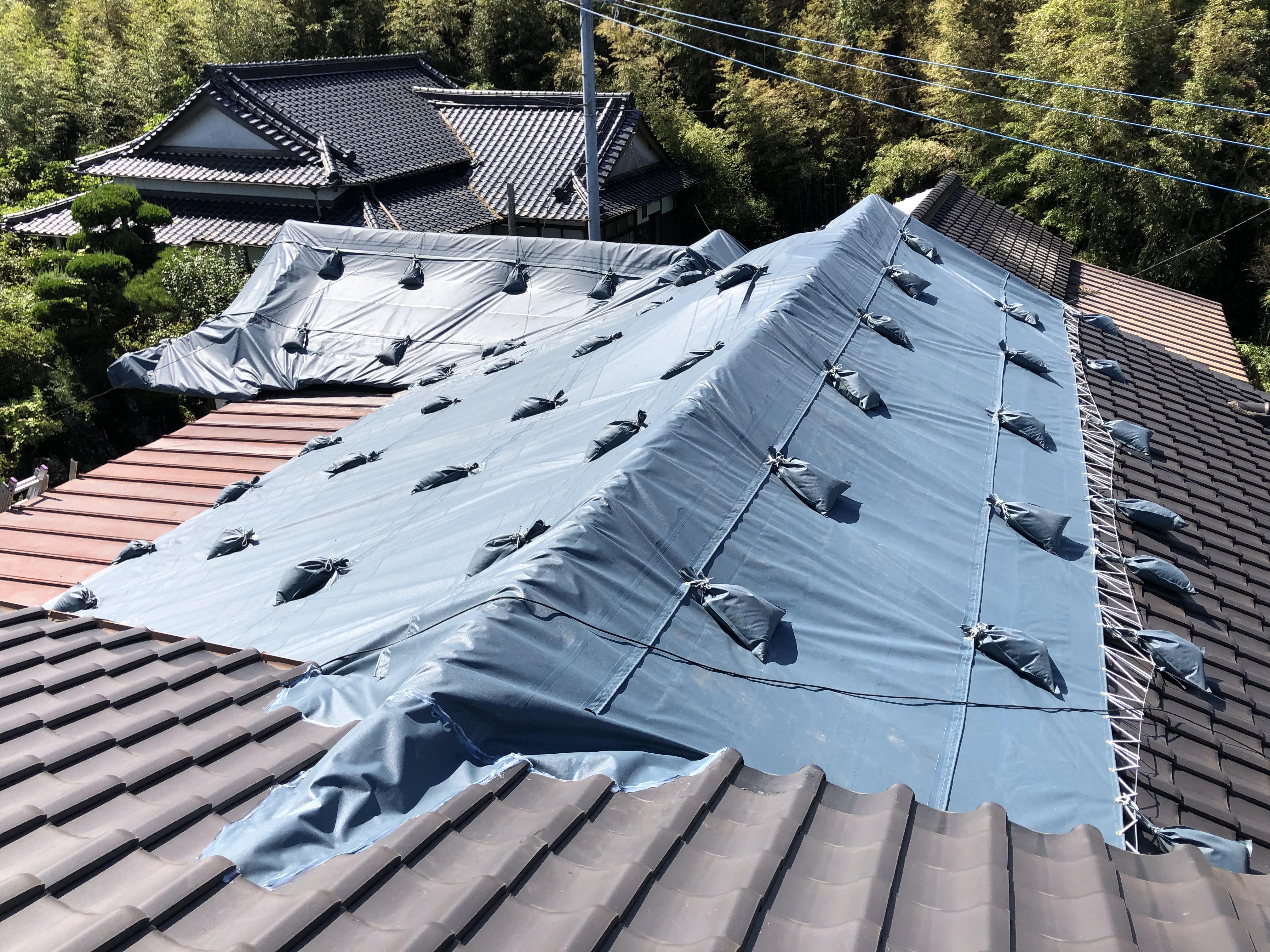 大分県宇佐市にて瓦、雨漏りテント張り施工をさせていただきました。